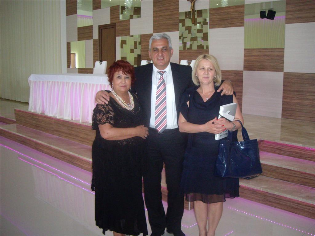 Marisa Maragno con Ljubo Bešlić  (Sindaco di Mostar) e Borjana Krišto (Parlamentare, presidente della Federazione di Bosnia ed Erzegovina)