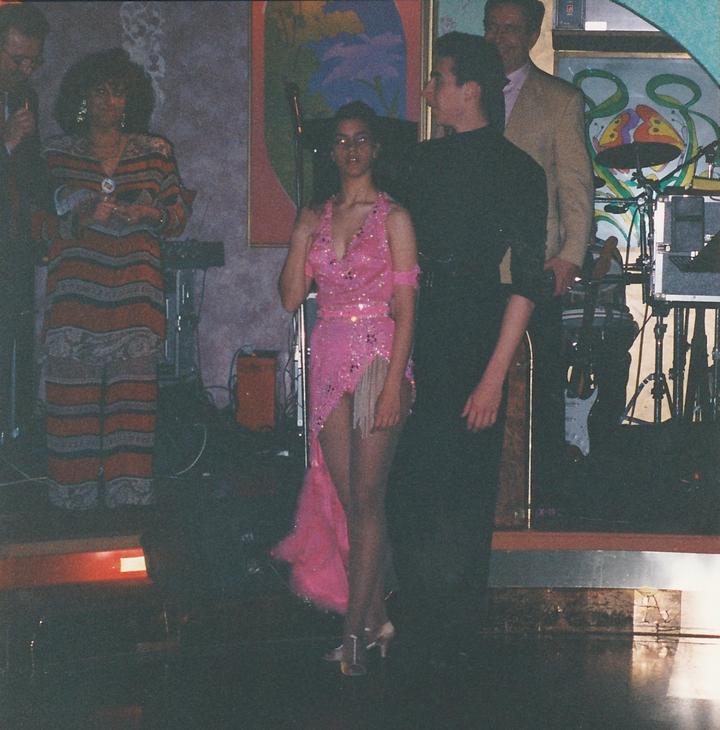Ballerini durante la serata in Villa