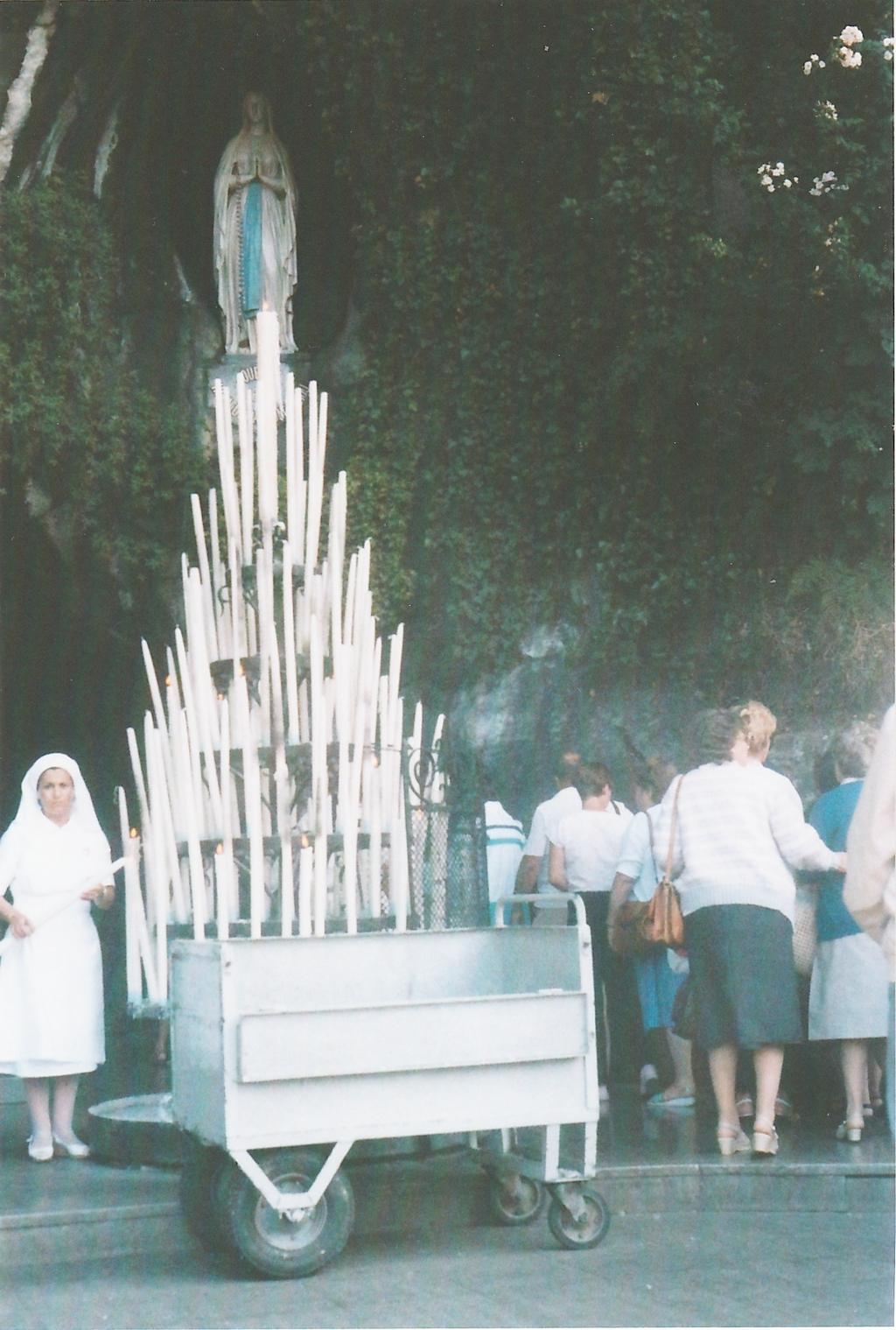 Con queste candela ho presentato alla Madonna di Lourdes le intenzioni richieste dalle persone durante il  Sevizio ai Pellegrini dell'UNITALSI.